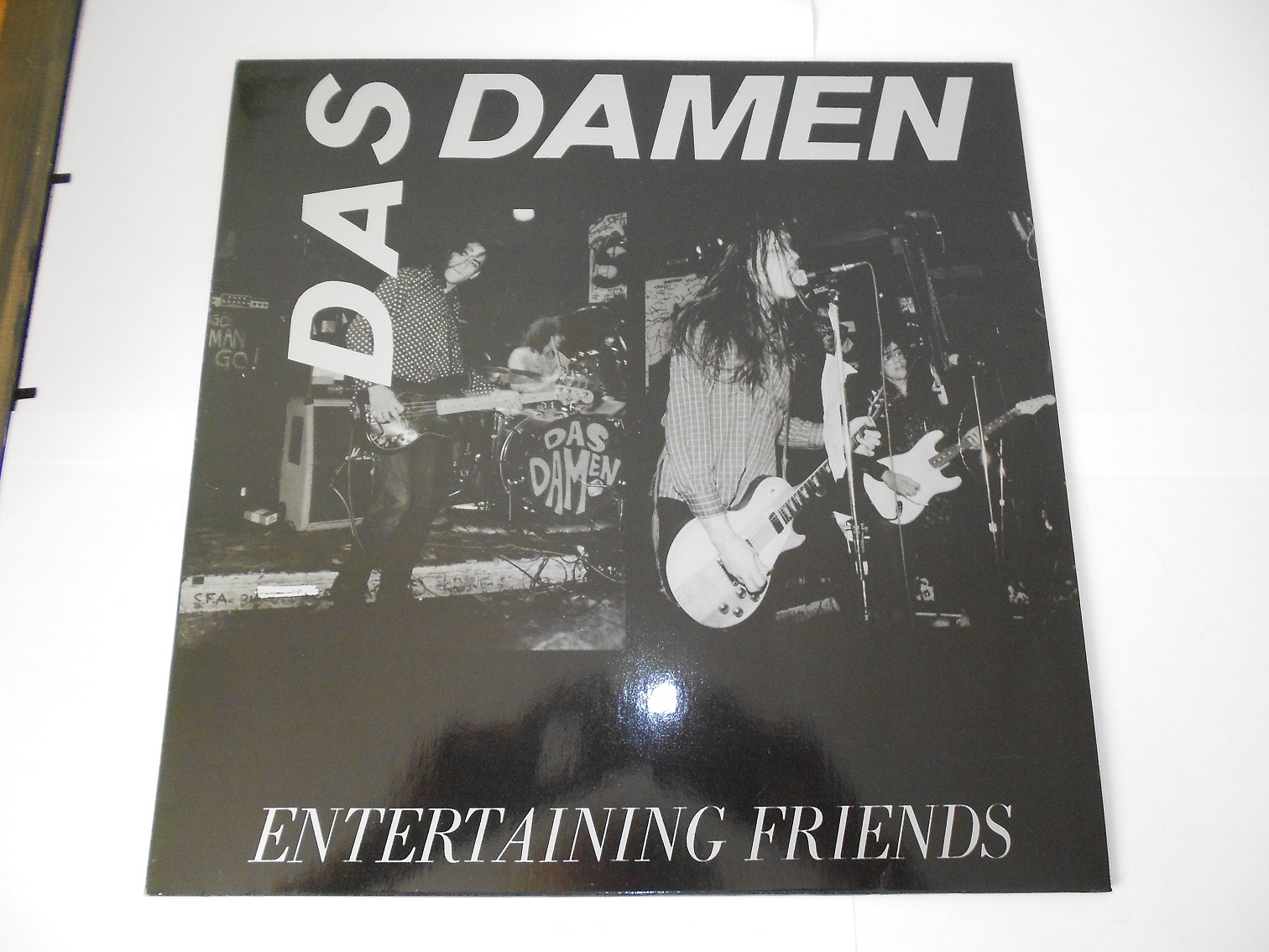 Das Damen - Entertaining Friends