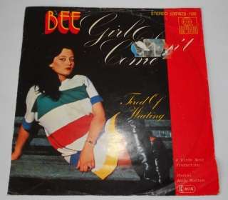 Bee ‎– Girl Don't Come 7""